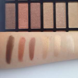 Choose Chi Chi Extravaganza Palette Swatches